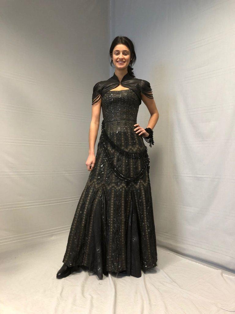 Аня Чалотра в платье Йеннифер