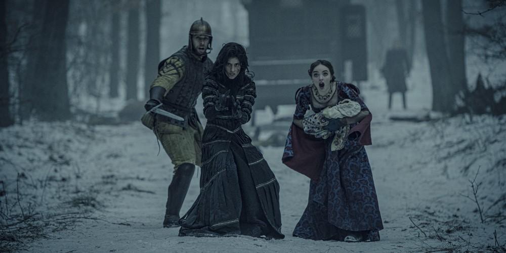 Йеннифер защищает королеву Калис