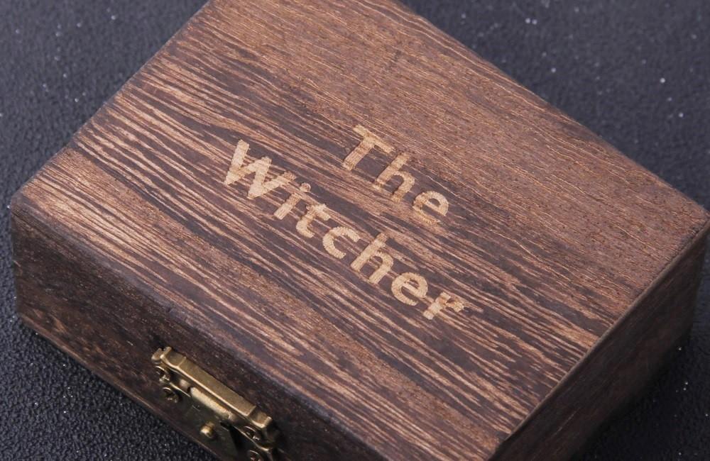 "Сувенирная коробка медальона ""The Witcher"""