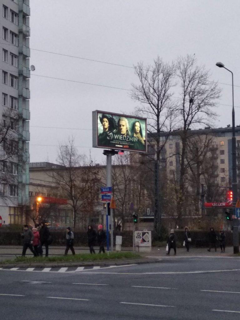 """Реклама сериала """"Ведьмак"""" на билборде в Польше"""