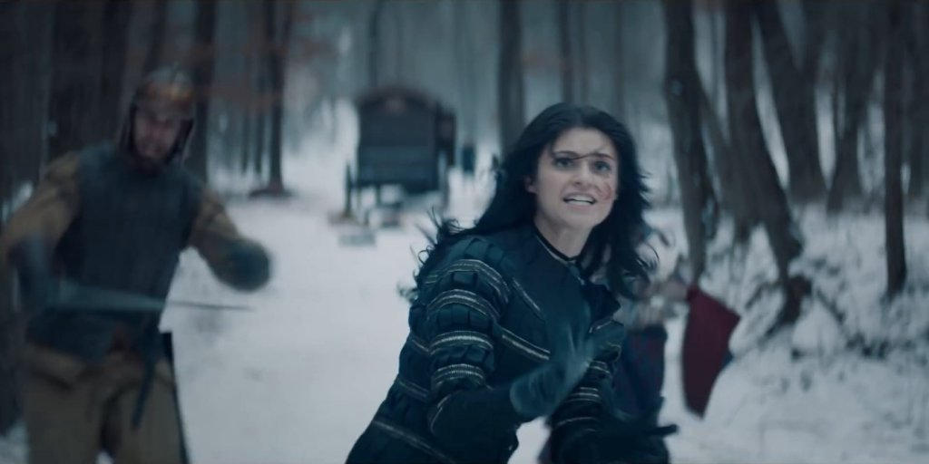 """Йеннифер создает портал. Сцена из сериала """"Ведьмак""""."""