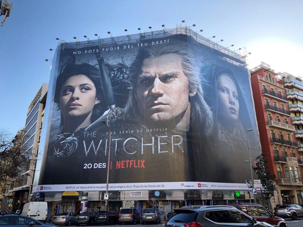 """Огромный постер """"Ведьмака"""" в Испании"""