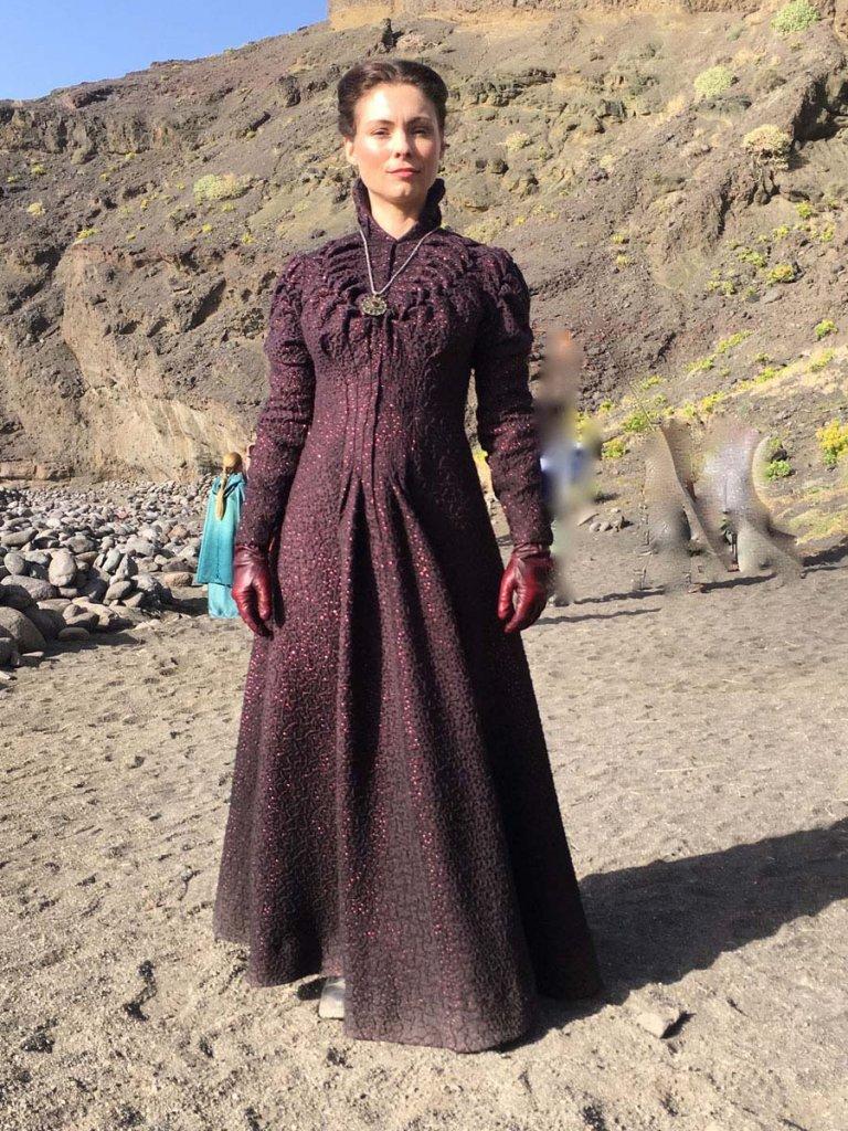 Майанна Беринг в платье Тиссаи