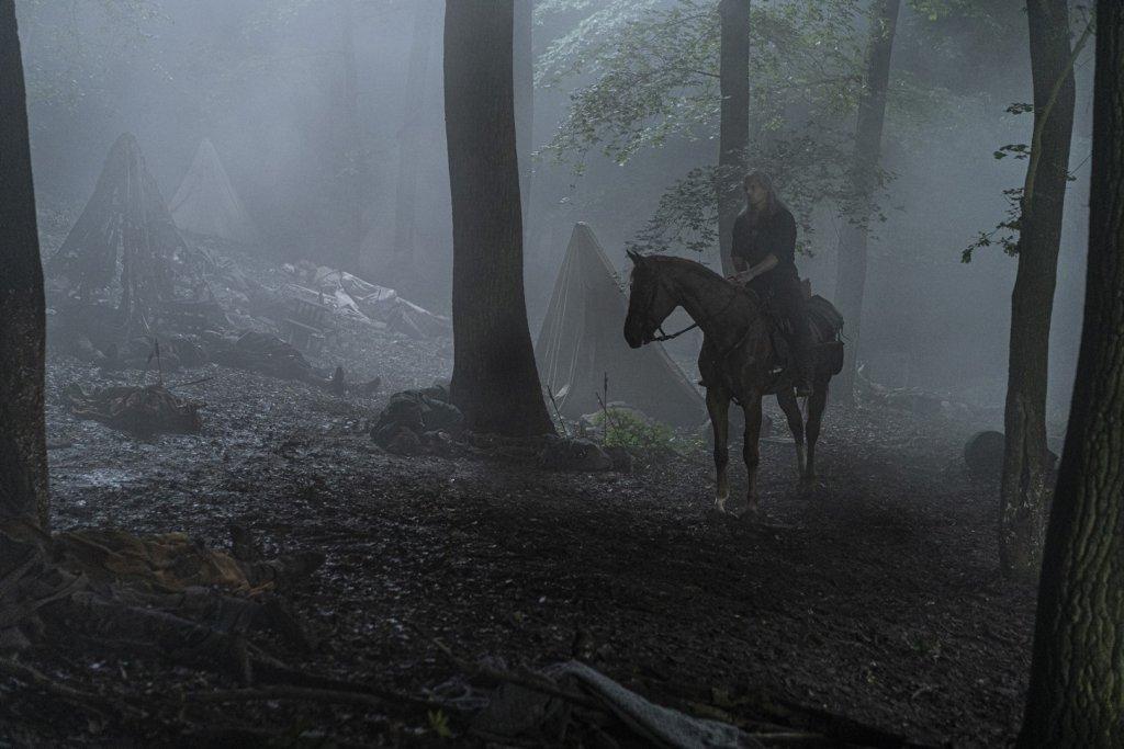Геральт (Генри Кавилл) и Плотва (лошадь). 8 серия.