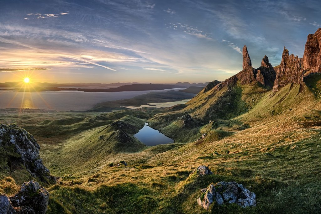 "Скала ""The Old Man of Storr"". Художественное фото."