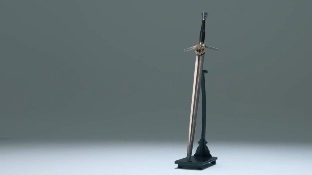 Стальной меч Геральта