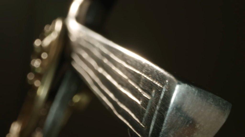 Крестовина меча Геральта